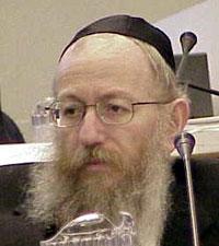 Yaakov Litzman Bridges Between Bennett & Netanyahu, Thereby Ending the Coalition Crisis