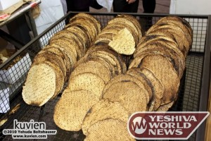 The IDF Buys 75 Tons of Matzos for Pesach