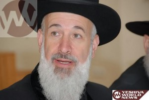 Prosecutor Fears Former Chief Rabbi Will Flee the Country to Avoid Prosecution