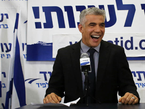 Kahlon Official: Yair Lapid Is Like A Large Inflated Balloon Losing Air