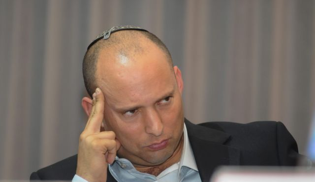 Bayit Yehudi Party Leader Naftali Bennett Drops in Popularity Among Party Voters