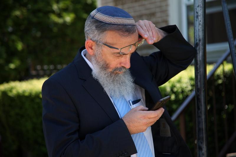 Rabbi Stav Warns Giving in to the Chareidim will Result in the Closure of Tzohar Rabbonim
