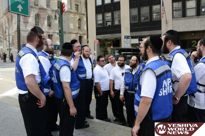 Photos Williamsburg Shomrim Volunteers Helping Out At The