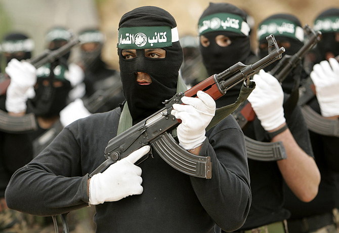 Hamas Distances Itself from ISIS Operations in Sinai