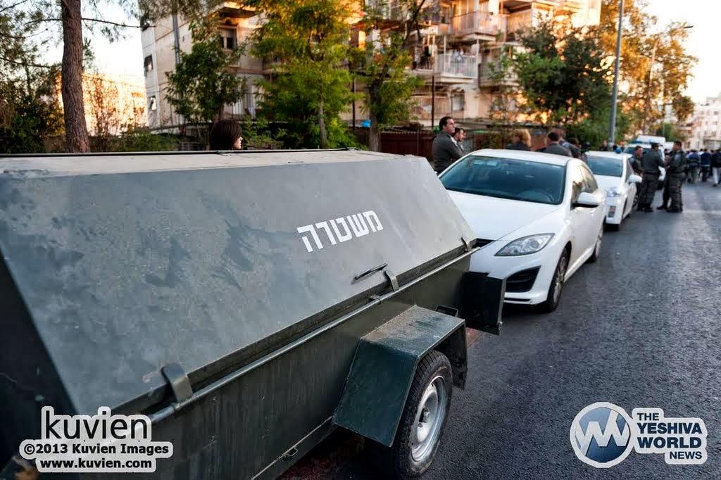 Kuvien_Images_Rav_Ovadia_Yosef_ZTL_Levayah-021