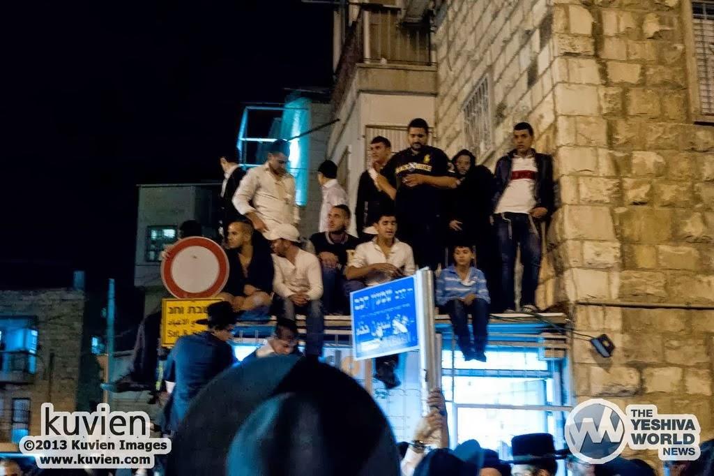 Kuvien_Images_Rav_Ovadia_Yosef_ZTL_Levayah-074