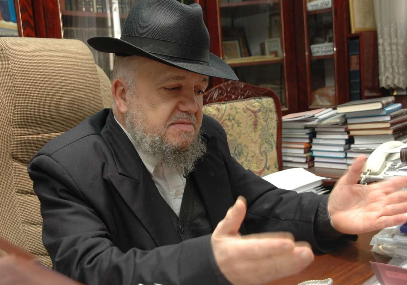Rav Mazuz Blasts Agreement with Reform And Conservative Movements at the Kosel