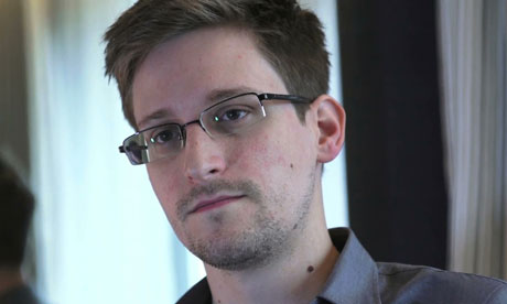 Russia Extends Residence Permit for Snowden