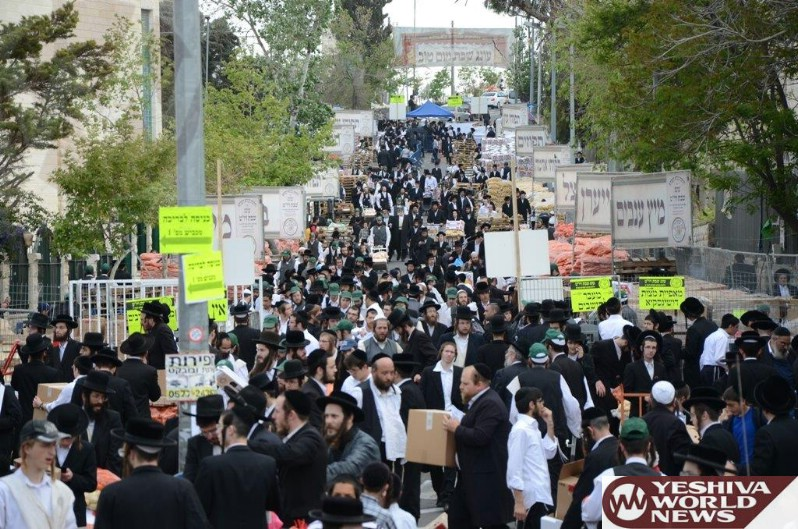 Photo Essay: 'Oneg Shabbos' Organization Giving Out Food To Ten Thousand Families In Eretz Yisroel For Pesach (Photos By JDN)