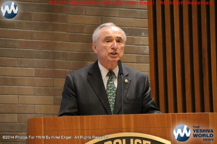 Bratton Says He Can't Serve 2 Terms As NYPD Commissioner