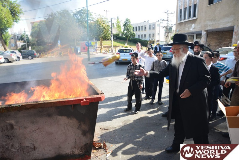 Photo Essay: Admorim & Rabbonim Burning Chometz Erev Pesach 5774 (Photos By JDN)