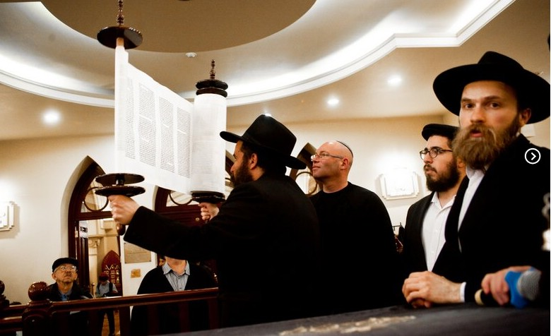 Ukraine: Sefer Torah Welcomed Amidst Unrest