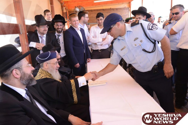 Photo Essay: Chief Rabbis Arrive at the Kosel for Birchas Kohanim (Photos: Moshe Ben-Naim, Chadashot 24)