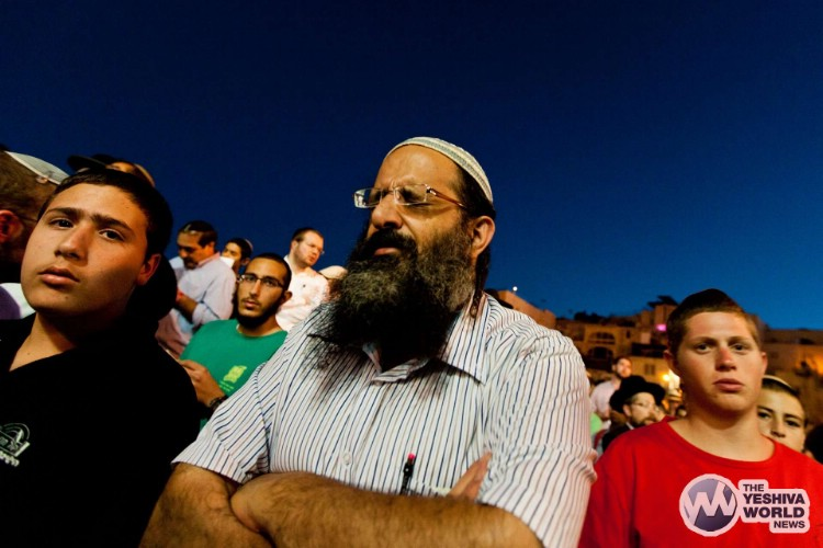 Atzeres at Kotel For Kidnapped Boys - Kuvien Images ---014
