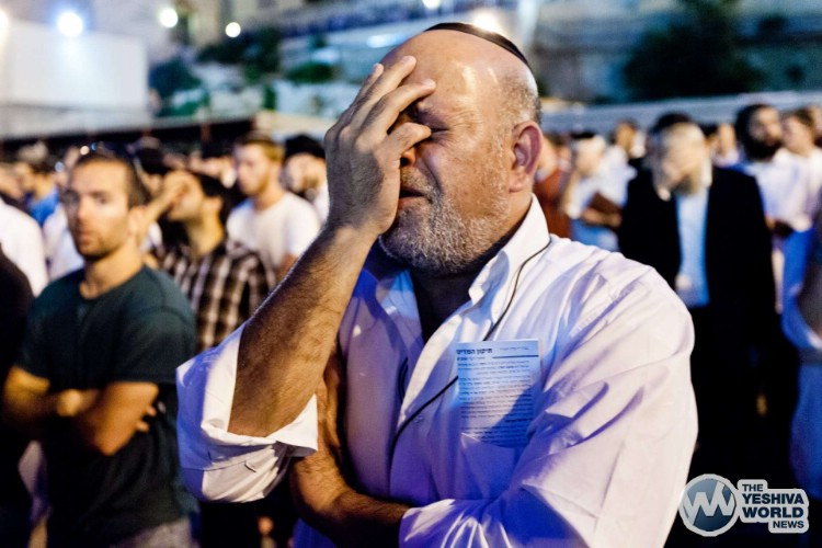 Atzeres at Kotel For Kidnapped Boys - Kuvien Images ---018
