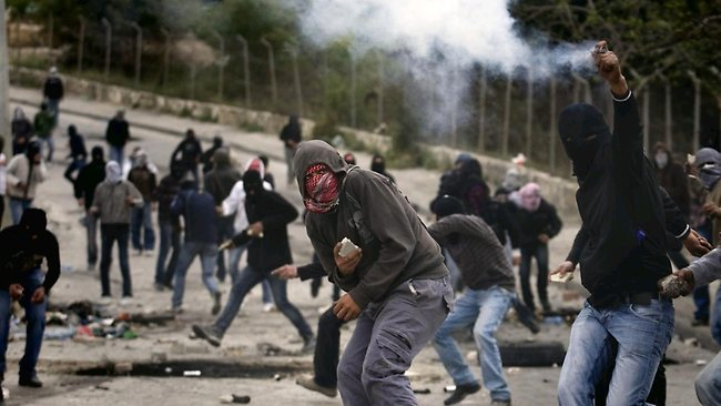 Arab Rock-Throwing Attacks Continue in Yerushalayim
