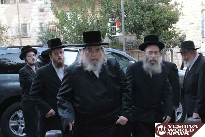 Photo Essay: Gedolei Yisroel Arriving and Leaving The Kinus Moetzes Gedolai Hatorah in Yerushalayim On Thursday (Photos By JDN)