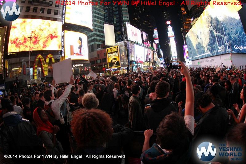 Thousands March In NYC For A Second Night To Protest #Ferguson Decision
