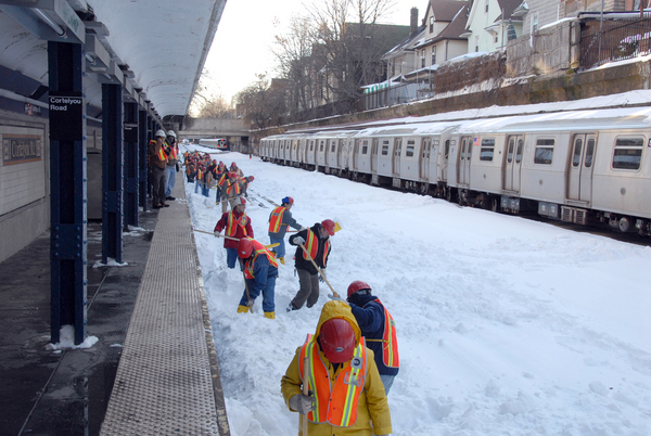NY Gov. Cuomo Announces MTA Preparations For Winter Storms