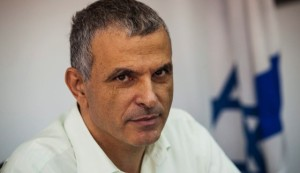 Is Finance Minister Kahlon Judged by a Different Standard Among Chareidim?