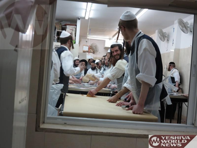 Photo Essay: Yidden in Yerushalayim Baking Matzos (Photos By JDN)