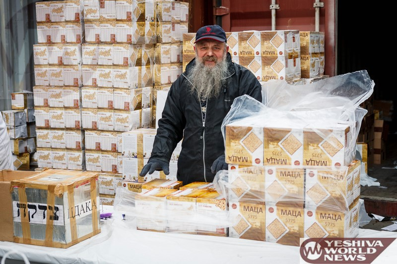 Photo Essay: Giving Out Matzah For Needy People in Moscow, Russia Arranged By Russia's Chief Rabbi, Rabbi Berel Lazar (Photos By JDN)