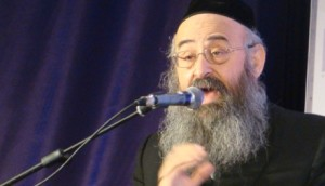 Rav Lazerson of Chinuch Atzmai Hospitalized With Heart Attack Following Sassoon Levaya