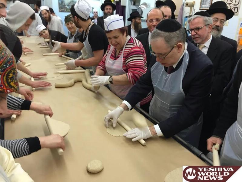 Photo Essay: NYC Comptroller Scott Stringer Visits Boro Park Matzah Bakery