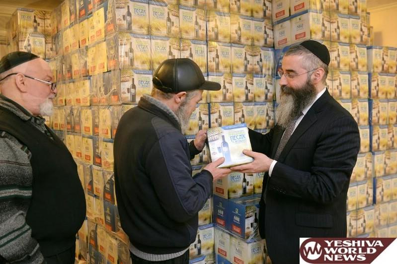 Humanitarian Pesach Pack: 100 tons of Matzah to Ukraine