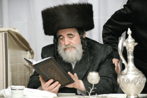 Vishnitzer Rebbe: 'Today's Shtreimals are Catastrophic'