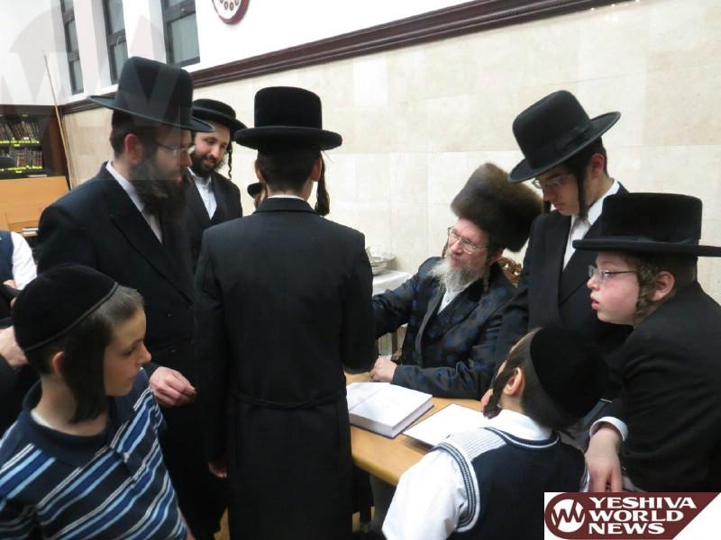 galanta signing his new zohar (8)