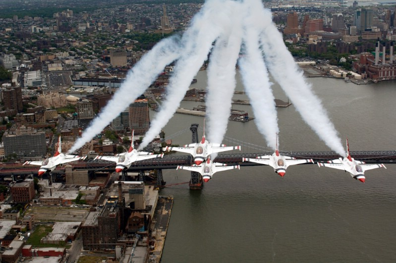 Six F-16 'Thunderbirds' To Fly Over NYC On Friday At Low Altitudes For Photo-Up