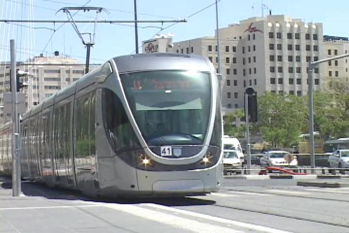 Israel Police Intervenes in Jerusalem Light Rail Strike
