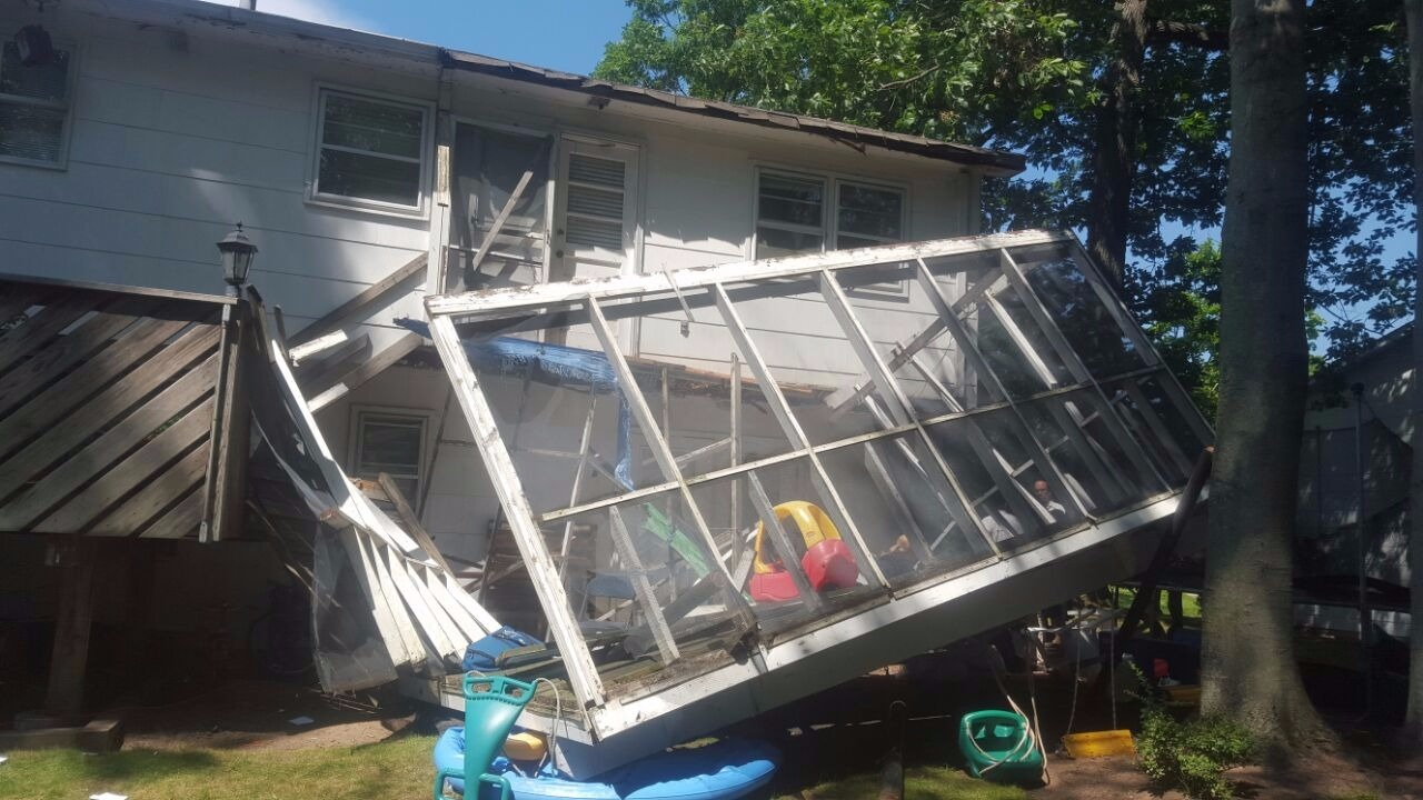 Monsey: Porch With 40 Children On It Collapses