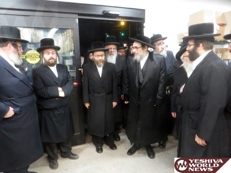 Photo Essay: Pupa Rebbe Affixing a Mezuzah in The Newly Renovated Skopps Grocery in South Fallsburg (Photos By JDN)
