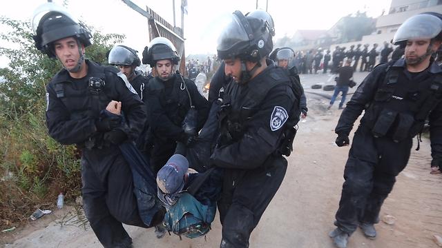 Violent Confrontations between Police and Civilians in Beit El