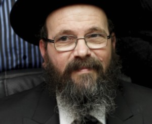 Petach Tikvah Chief Rabbi Attacks Tzohar Rabbonim