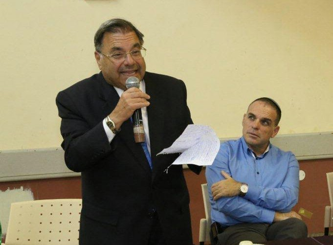 Rabbi Riskin Delivers Harsh Criticism of Chief Rabbinate