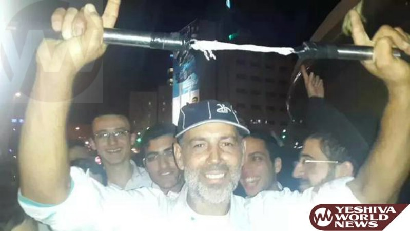 HERO: This Man Used Nun-Chucks To Tackle A Terrorist On A Jerusalem Bus - Attempted To Stab Soldier And Grab His Weapon