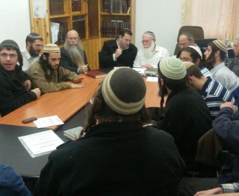 Five Students Detained in Raid on Yeshivat Chomesh