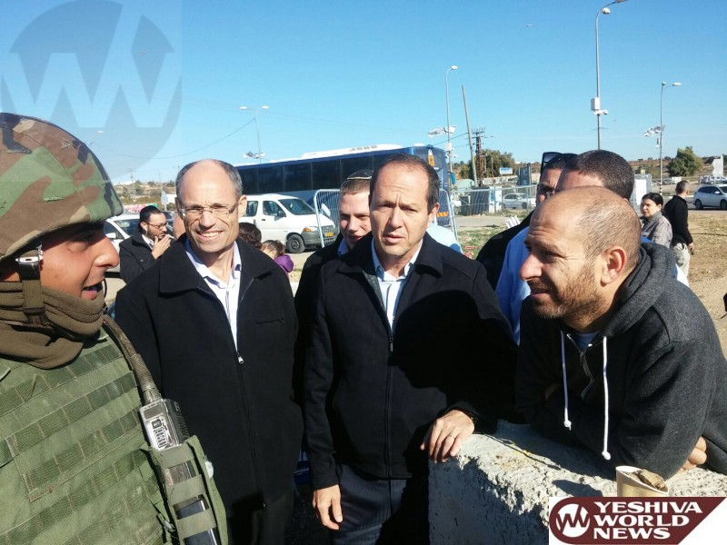 Jerusalem Mayor Barkat Visits Gush Etzion to Showing Solidarity
