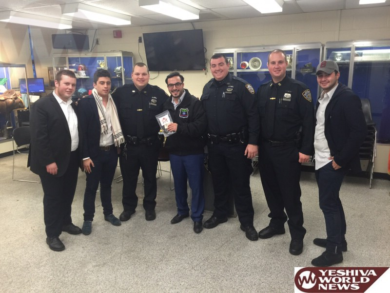 Photo Essay: Volunteers From Chaverim of Queens and Hatzolah Distributed Turkey To Local NYPD Precincts On Thanksgiving