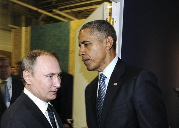 Obama, Putin Huddle on Sidelines of Paris Climate Talks