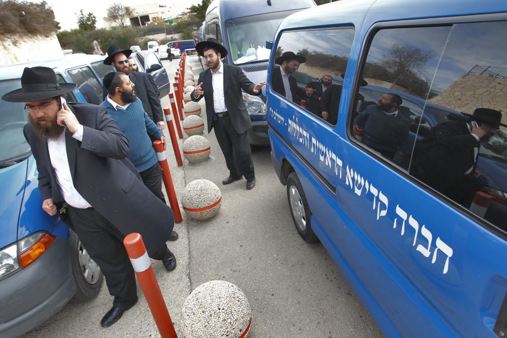 Israel: Member Of Chevra Kadisha Felt A Pulse On The Niftar