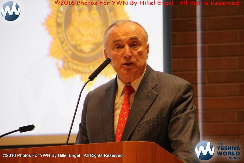 Police Commissioner Bratton Won't Stay on the Job Past 2017