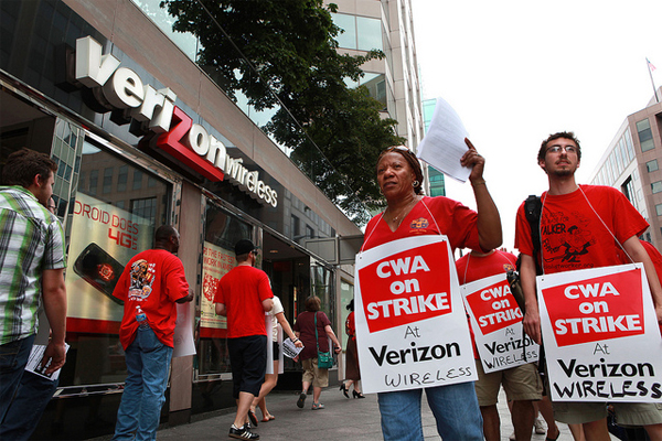 Verizon cwa  ibew union members go on strike: america 2019s communications future is at stake