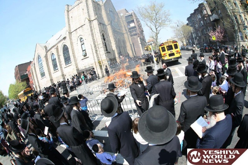 Photo Gallery: Yidden In Williamsburg Erev Pesach 5776 (Photos by JDN)