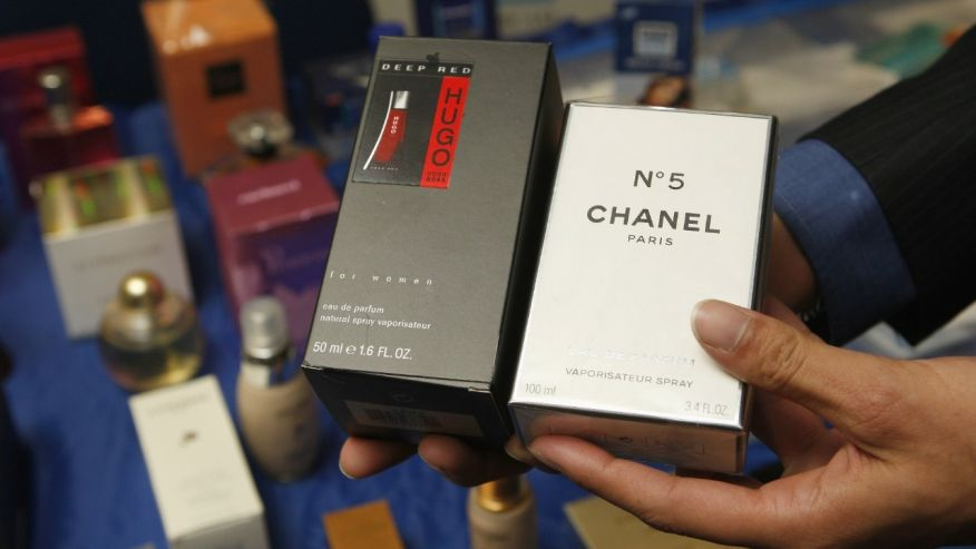 5 Accused of Trafficking Phony Fragrances From China to NYC