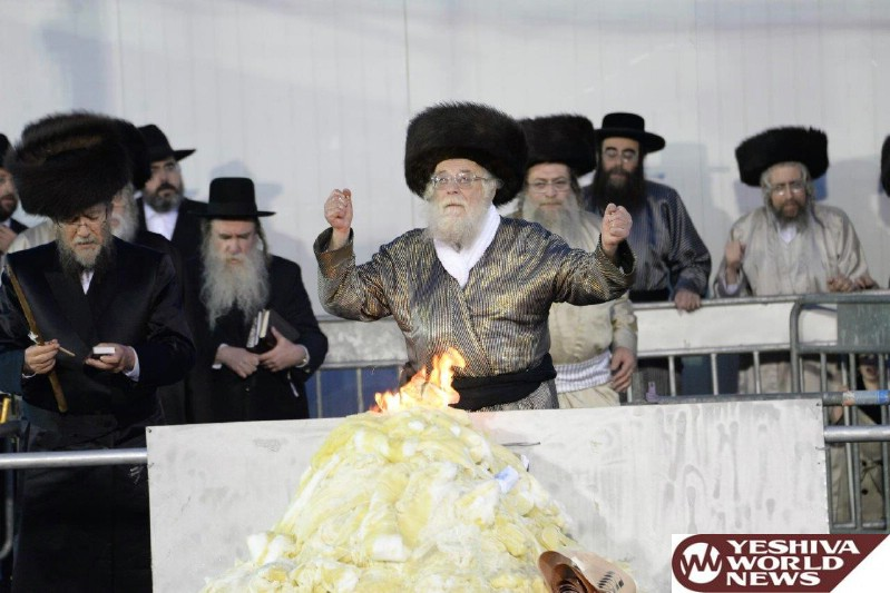 Photo Essay: Toldos Aharon Rebbe At The Hadlakah In Meron (Photos by JDN)