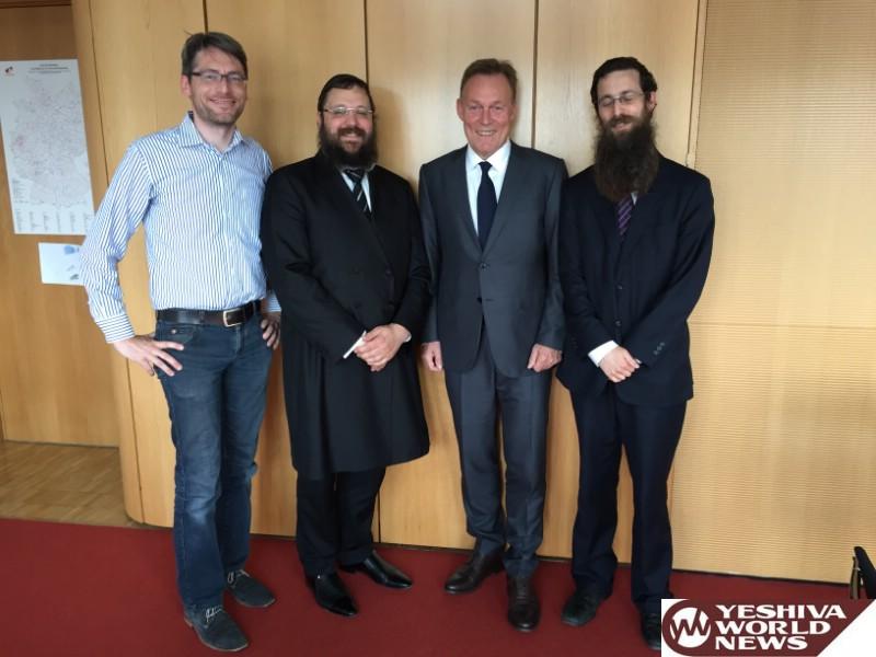Berlin Rabbi Calls Fellow European Rabbis: We Must Help Save The EU